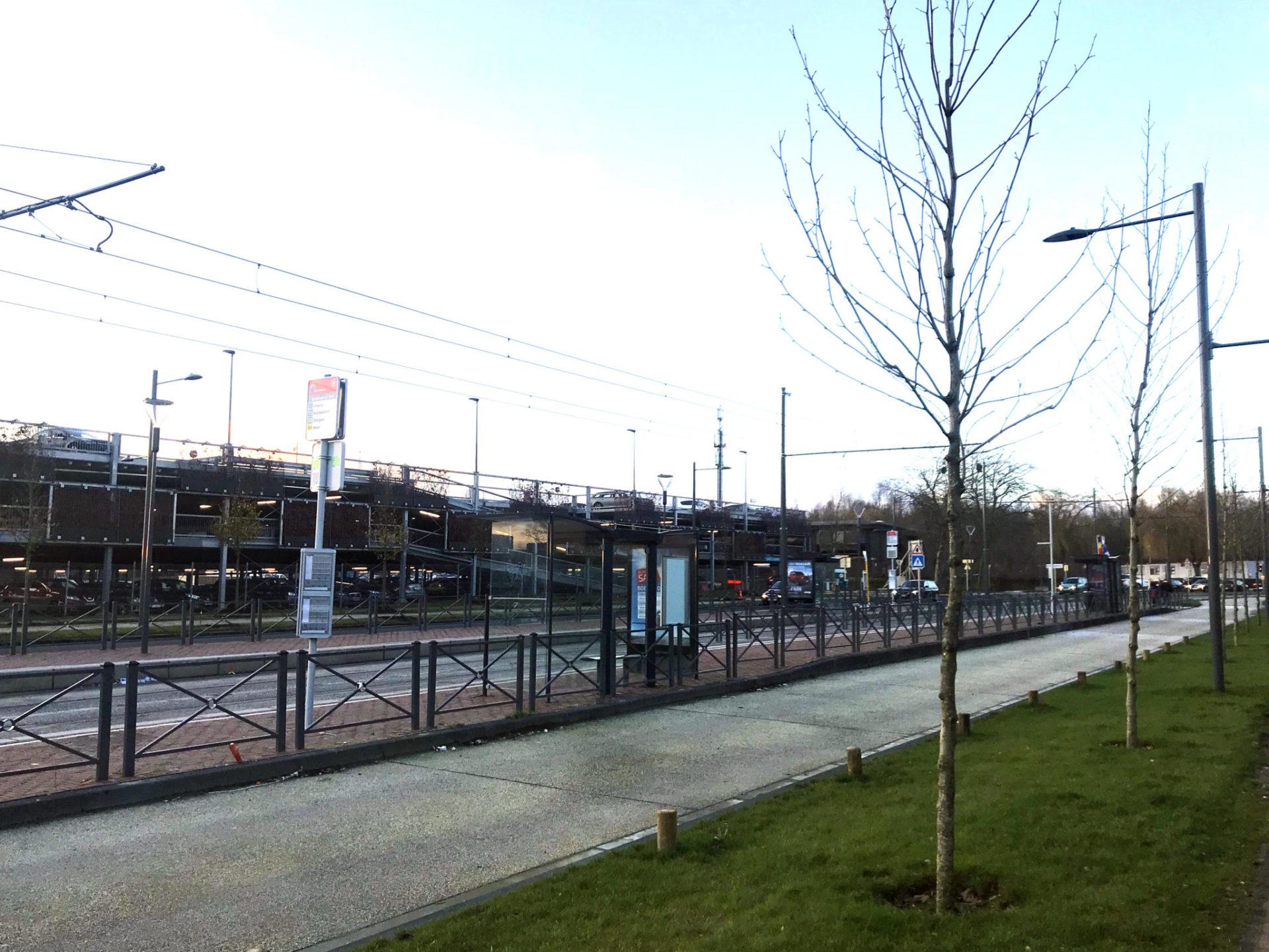 tram9 15