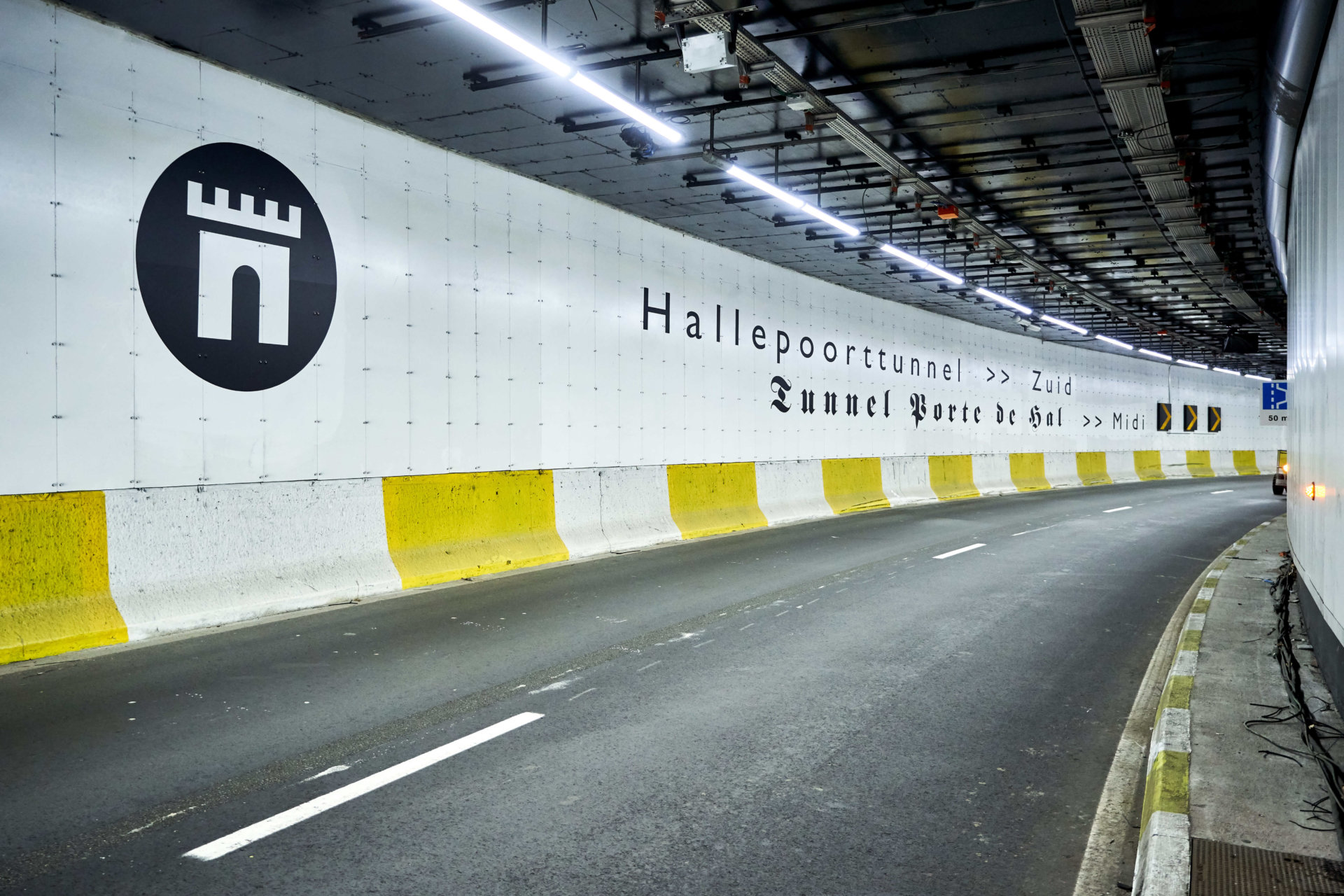 Tunnel porte de Hal 6