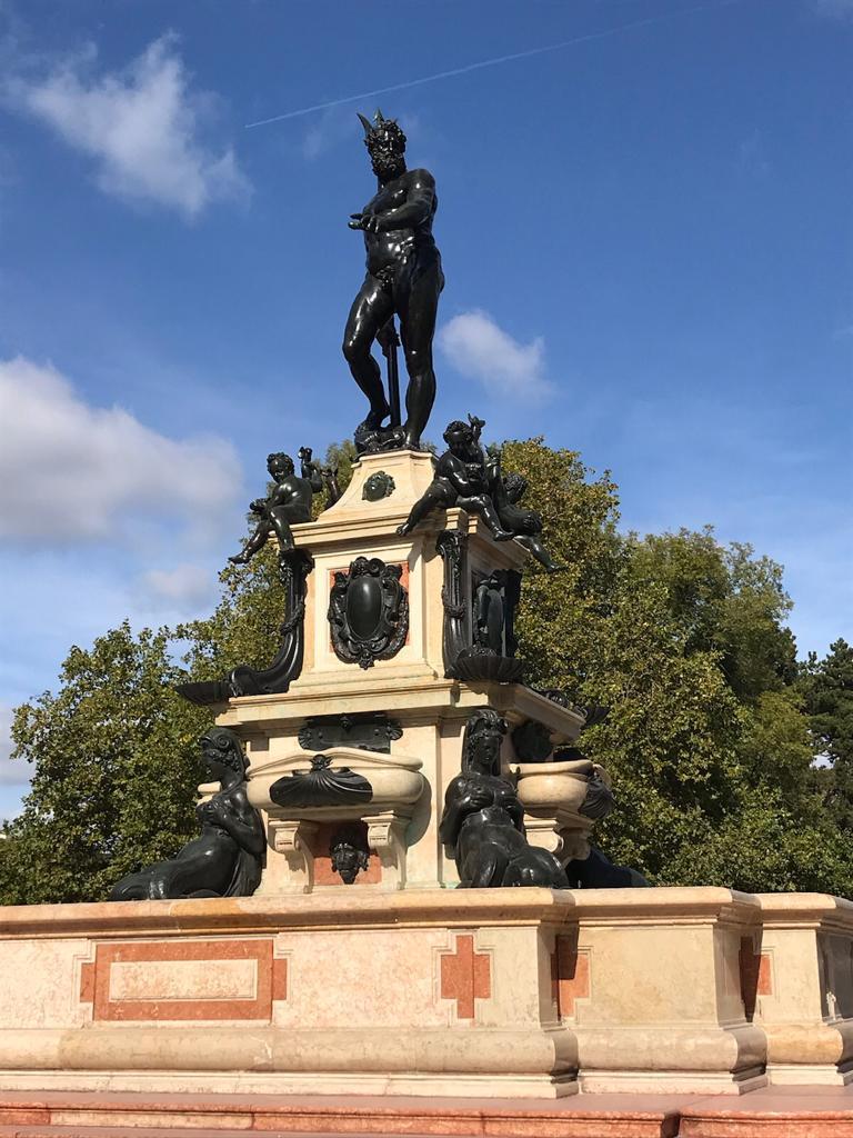 Fontaine de Neptune (1)