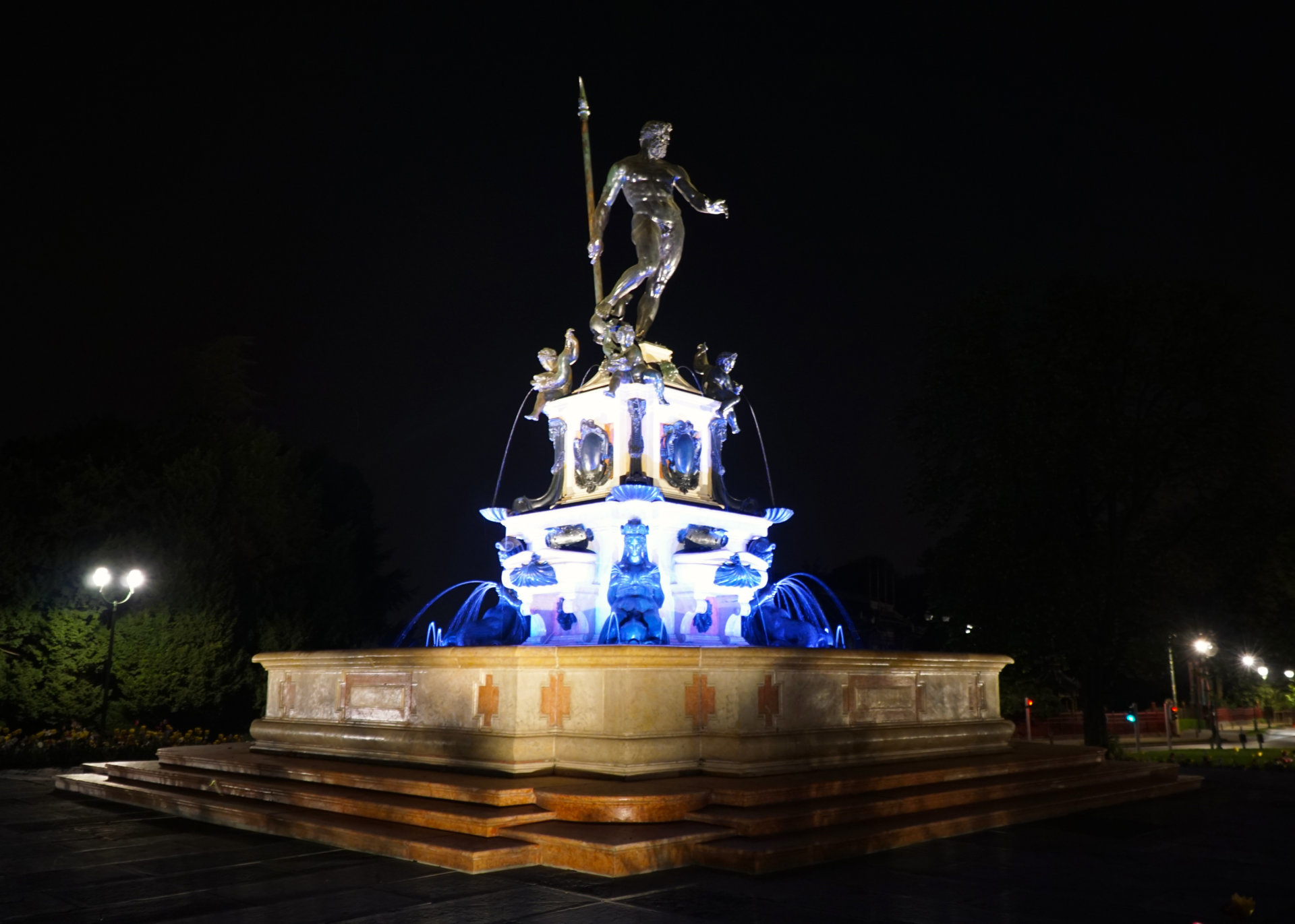 Neptunus by night (2)